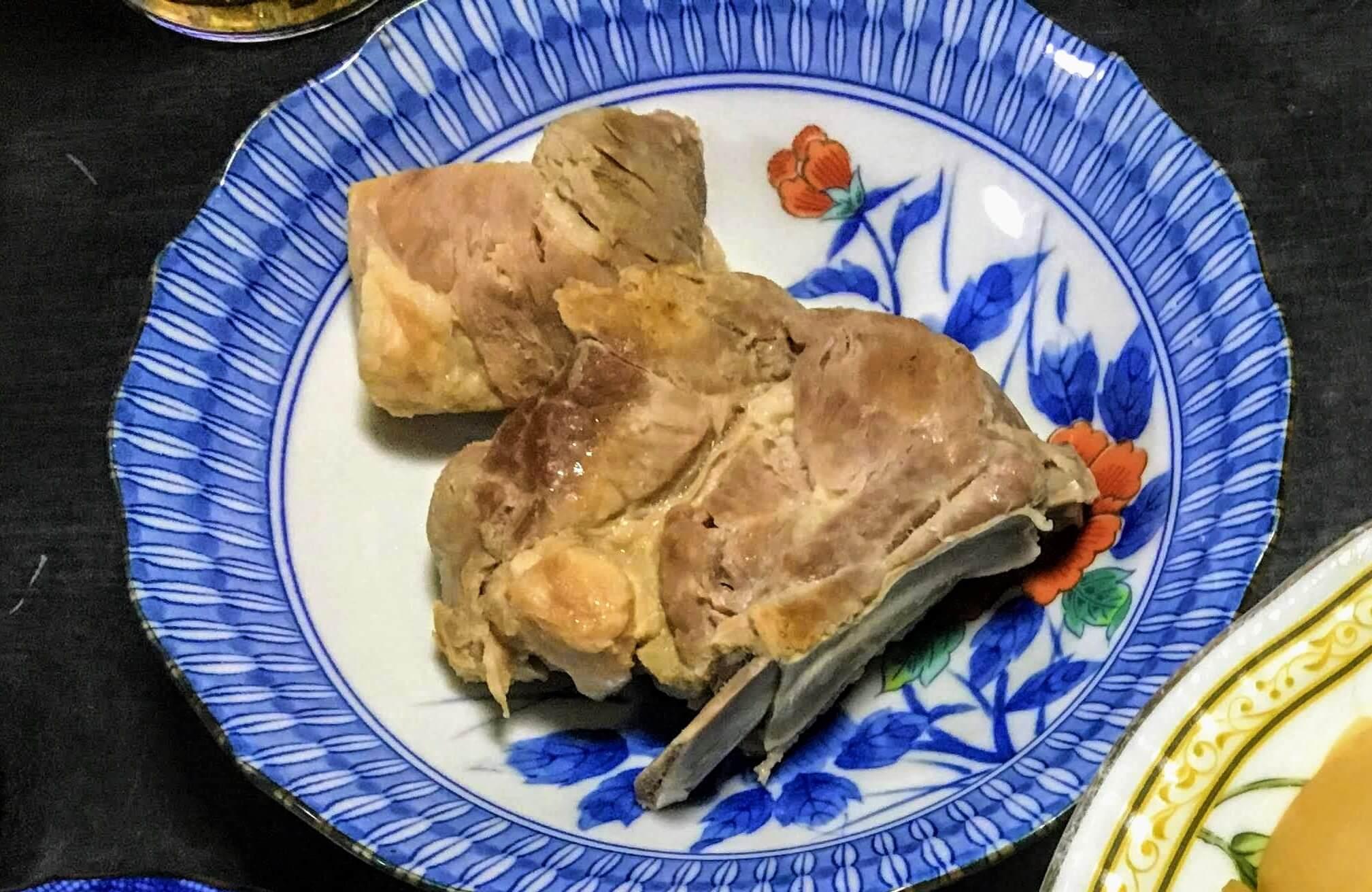 奄美大島の郷土料理・塩豚(ワンフネ)