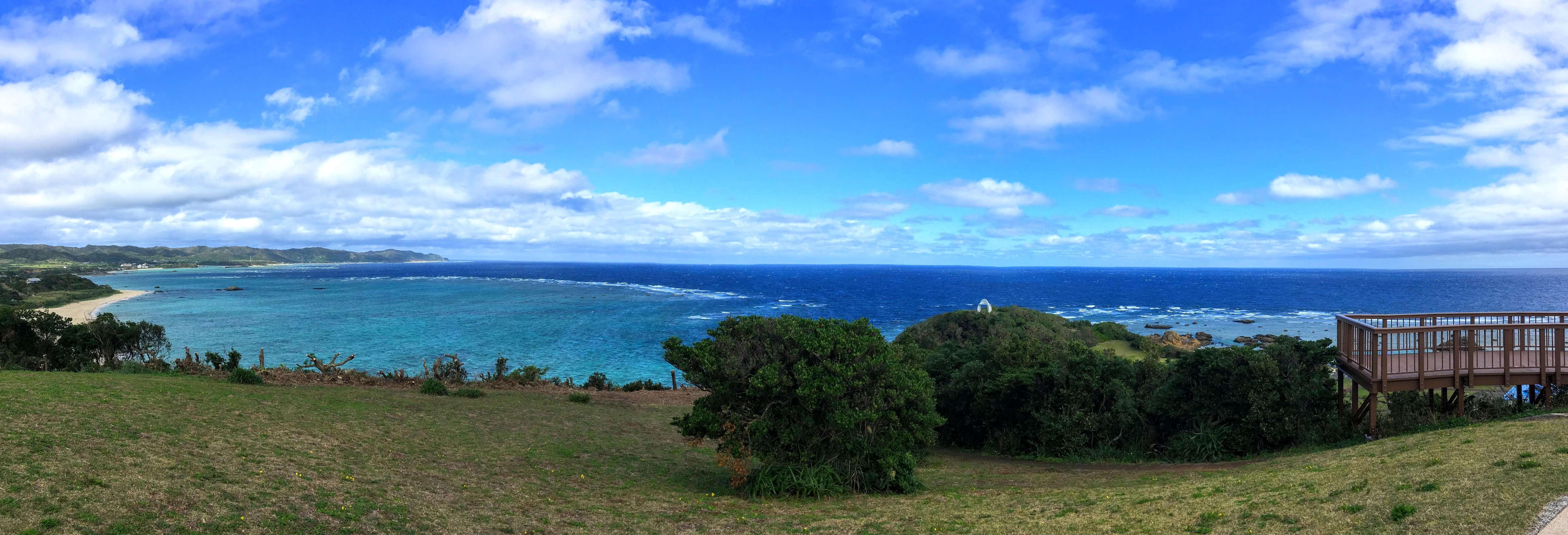 あやまる岬から見た海