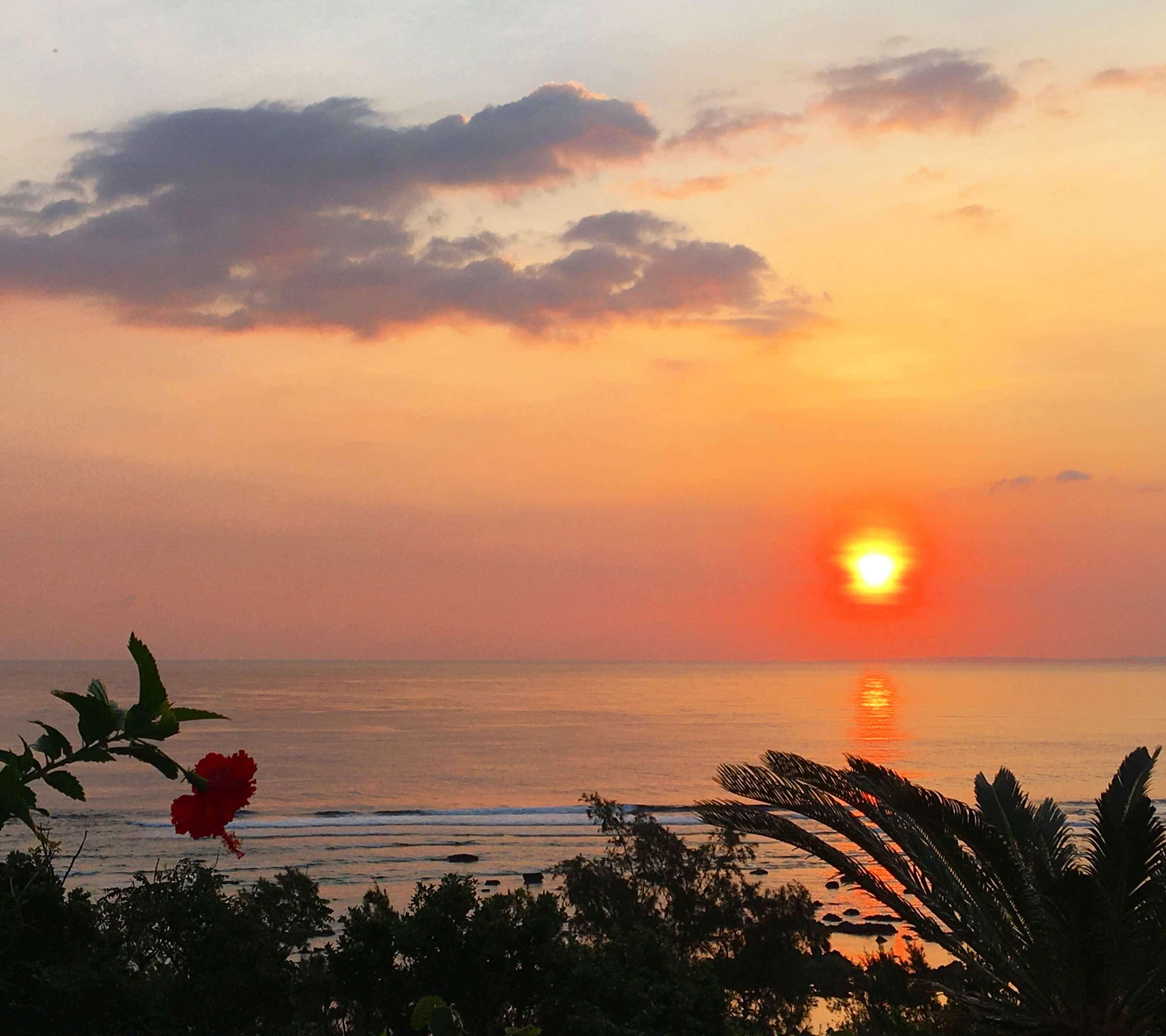 あやまる岬から見る日の出